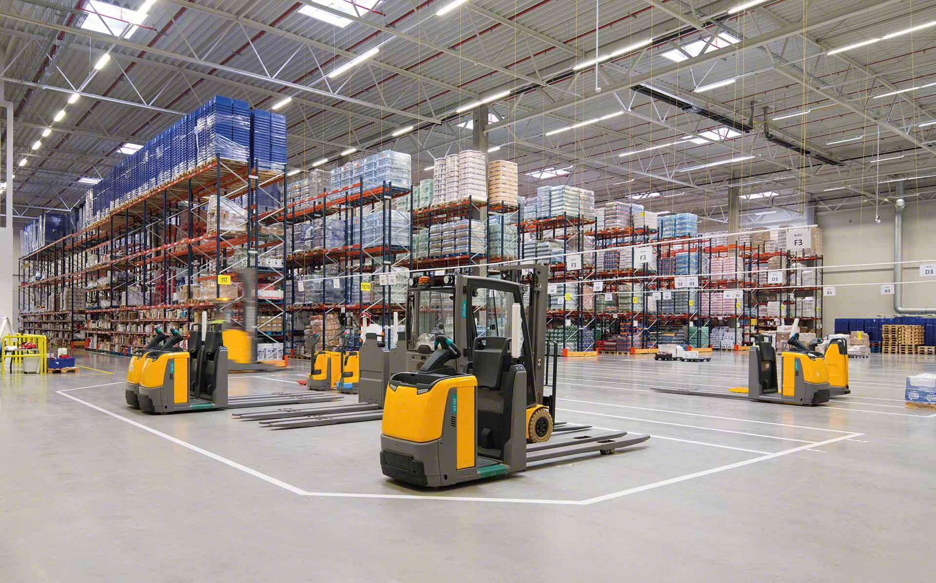 material-handling-systems-forklift.1.5